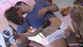 ▶▶ Deep Anal for Skinny Teens by Huge Cock at FFM Threesome ◀◀