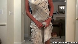 Elegant milf Kyle from the USA takes off her clothes and shows us her naughty side. Bonus video: American milf Eva Griffin.