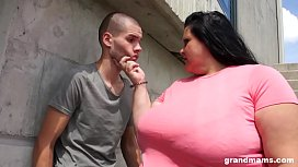 Huge mature gets her ass licked and deep throats young stud