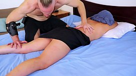 "this ""Squirt Massage Coach"" FAILS! (too funny!) ««Can YOUR girl squirt? Find out in just 30 seconds! Go to: HunkHands.com/QUIZ»»"