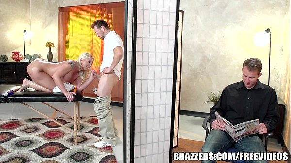 Brazzers - Leya Falcon gets fucked by her masseuse