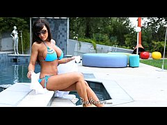PureMature - Lisa Ann wants to get fucked by the poolboy