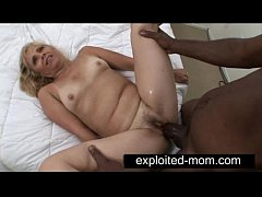 Old mature whore banging black dick in her
