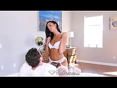 PureMature - MILF Tiffany Brookes strips off he...