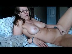 Trixxxcams.com - Milf squirts after fingering herself on webcam show
