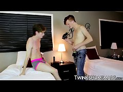 Twinks make a homemade fuck session