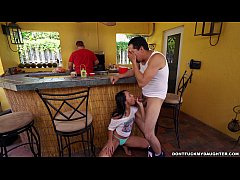 Holly Hendrix Has Some Fun With Her Dad's Friend (dfmd15108)