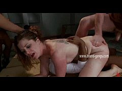 Whore demolished in double penetration