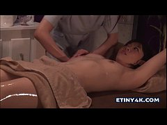 Hot oily massage with two asian girls