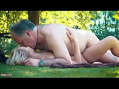 Small blonde has sex with hairy old man in the park