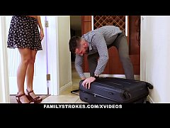 FamilyStrokes - Flashing Her Pussy For Pervy Uncle