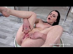 Wetandpissy - Vibrator play for piss drenched b...