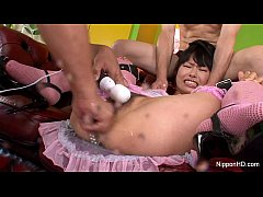 Japanese babe gets filled