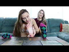 Sweet Young Things Kimber Lee and Ashlynn Taylor Suck Toes and Feet For Fun