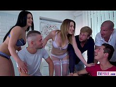 Groupsex with bisexual women and men
