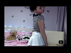 Sexy girl dancing, how is she??