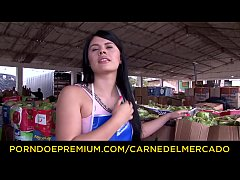 CARNE DEL MERCADO - Enticing pickup and fuck with sultry Colombian brunette newbie Luna Miel