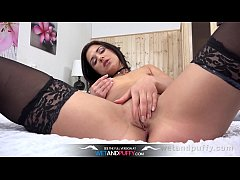 Wetandpuffy - Russian babe Jessica Lincolnteases her pussy with a vibrator