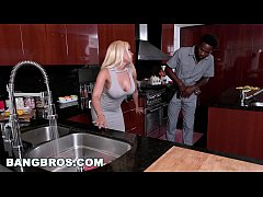 BANGBROS - Latina with Big Ass, Luna Star, Gets...