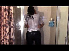 NaeJae and Tony in the shower