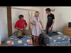 Cleaning woman gets her old pussy filled with t...
