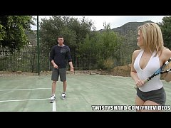 Beautiful blonde MILF Alexis Texas gets picked up and penetrated
