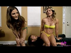 Dominated: Two girls farting