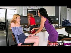 Threesome pussy fingering with the girls Lolo with Dylan and Parker