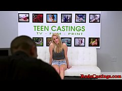 Cute teen squirting before fucking at casting
