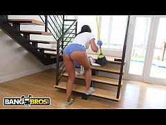 BANGBROS - Hot Latina Maid Selena Santana Polishes Knobs