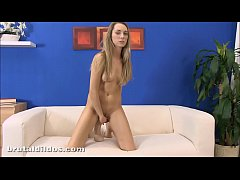 Petite blonde Foxies fills her pussy with a thi...
