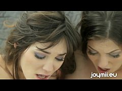 Threeway Lesbian Orgy With Tiffany Thompson and Holly Michaels In Threesome