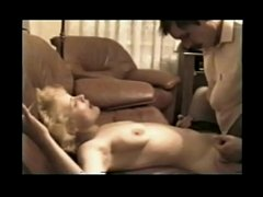 Mature Russian prostitute Lora serves the clien...