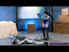 SciFi fuck battle between Abigail Mac and her o...