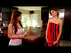Mommy's Girl - Syren De Mer, Scarlett Fever