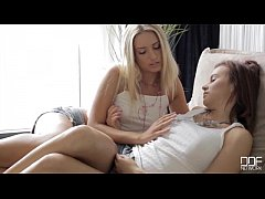 Blonde Jessi Gold pussy licking her sexy teen friend Kimberly