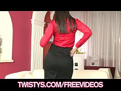 Curvy businesswoman Eve Angel cums on her glass dildo