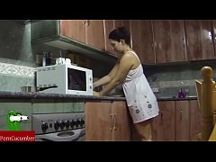 Fucking In The Kitchen And She Swallows It All Spying My Gf San53