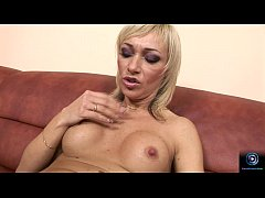 Betti Cane pleasures herself with an enormous d...