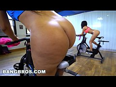 BANGBROS - Curvy Latina Rose Monroe Fucked in S...