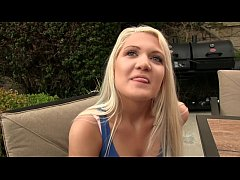 Blonde Teen Ashley buries her toung in stepdads...