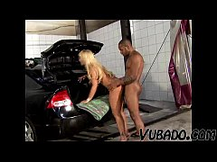 MATURE GARAGE SEX !!