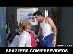 Submissive blonde doctor finds a patient to fuc...