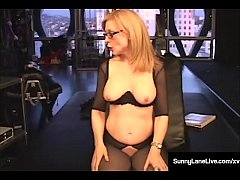 Beautiful Babe Sunny Lane in a preview clip from an Awesome one hour video with the legend Nina Hartley, involving a suction machine, whipping, flogging, spanking, super vibes and lots of big toys!